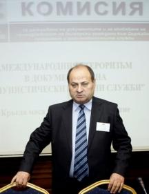 Евтим Костадинов, шефът на комисията по досиетата заслужи пред БСП и ГЕРБ втория си мандат