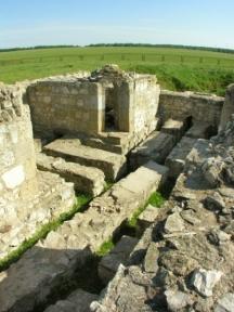 Крепостна стена във Волжска България.