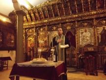 Вярващи от цяла България търсят помощ от иконата