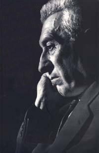 Един от последните фотопортрети на писателя