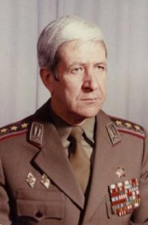 Един достоен български офицер – генерал полковник Васил Зикулов повече от четвърт век бе начело на Разузнавателното управление на генералния щаб по време на Студената война