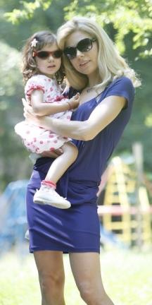 Разходка в парка с дъщерята Йоана