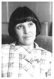 Юлия Пискулийска, писател и публицист