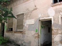 В това трагично състояние днес е домът на д-р Черкезов във Виноград