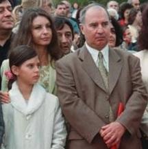 Семейството - Владимир Живков със съпругата си Валя и дъщерята