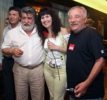 Певицата в компанията на културния министър Вежди Рашидов и певеца Петко Петков от