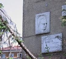 Паметна плоча на дома, в който е живял Владимир Башев в София