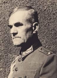 Дамян Велчев, един от политическите съратници на Казасов, предпочете за разлика от него да емигрира в Швейцария.