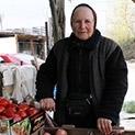 Баба Зоя е на поста си на зеленчуковата борса