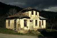 Изоставена къща