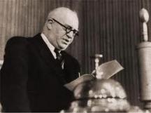 Покрай първия си мъж Ирина Бокова бе сродена и с фамилията на висшия функционер на БКП и български премиер Васил Коларов