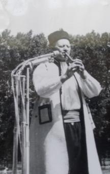 Борис Дронзин - популярният народен музикант