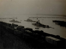 Бронекатери на Дунавската флотилия готови за преминаване през една от трите съветски переправи - две при Русе и една край Батин септември 1944 г.
