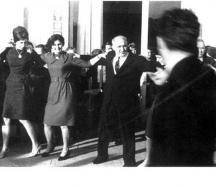 Тодор Живков се е хванал на хорото на сватбата на Людмила с Любомир