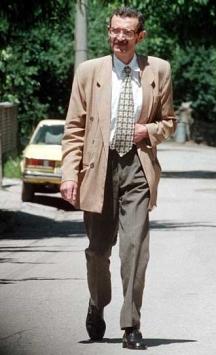 Една рядка снимка от края на 90-те години - Сергей Антонов по софийските улици