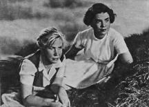 Русалиева (вдясно) във филма