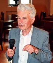 Бившият шеф на Комитета по печата Крум Василев