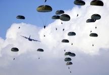 Небето е за смелите, обичат да казват парашутистите