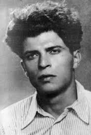 Пеньо Пенев - поетът с ватенката