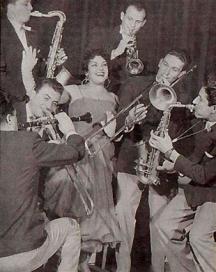 Незабравимата Леа Иванова с оркестъра си