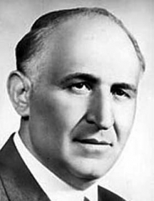 В романа на британеца Тодор Живков се подвизавал с името Стойо Петканов