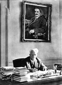 Регентът комунист Тодор Павлов дълго време бе начело на БАН