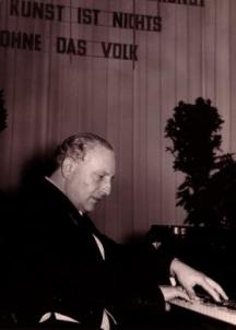 Често композитора сам изпълнявал своите произведения