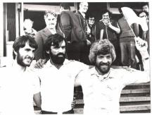 Методи Савов (крайният вдясно). Вляво от него е Христо Проданов.