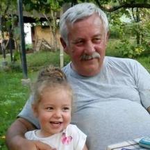 С едно от любимите внучета