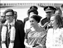 Премиерът Станко Тодоров със съпругата си Соня Бакиш на посещение в Индия. Между двамата е министър председателят на азиатската страна Индира Ганди.
